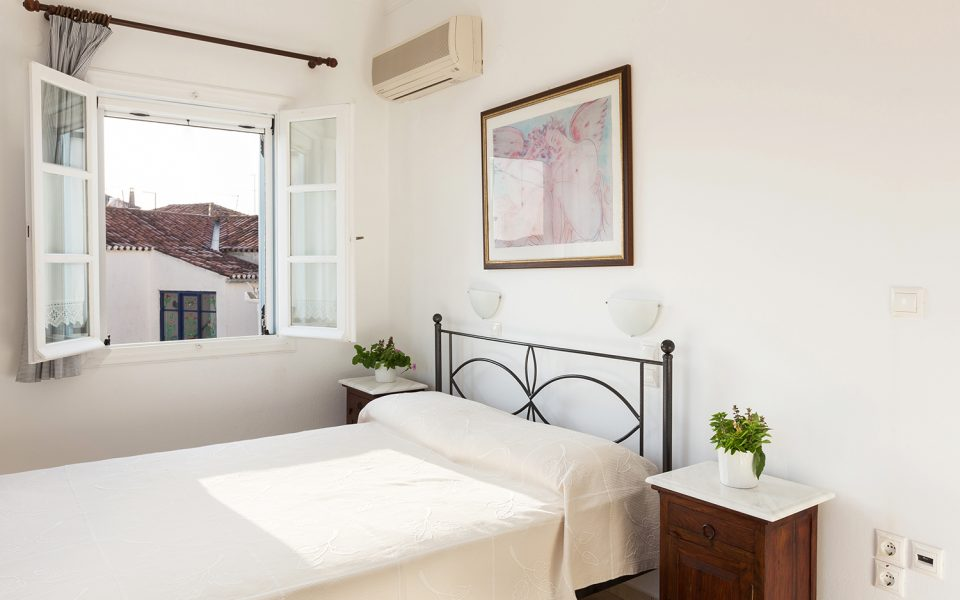 One bedroom apartment | Niriides Guesthouses | Ntapia Spetses
