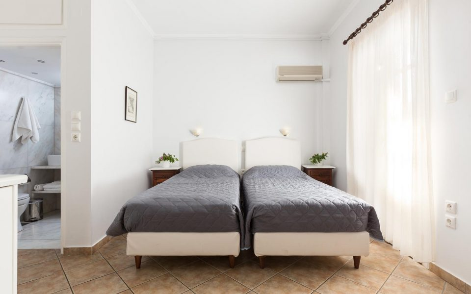 Double room with sea view | Niriides Guesthouses | Ntapia Spetses